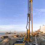 Productie CSM-wand strak langs een bestaande keermuur