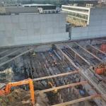 Laatste fase ontgraven bouwkuip en koppen snellen palen